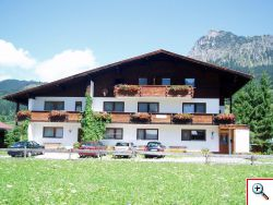 Haus Schöll im Tannheimer Tal im Sommer